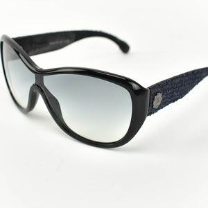 CHANEL: Black/Navy Blue, Tweed & CC Sunglasses de